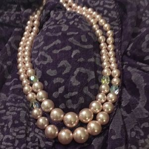 Pearl necklace, pink